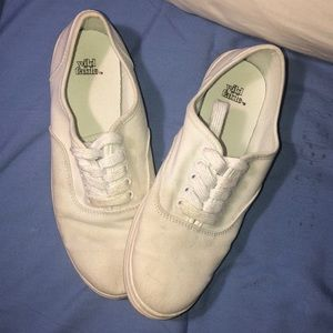 White everyday shoes